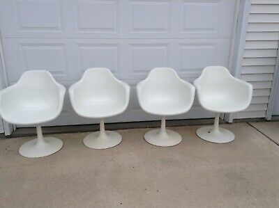 Set of 4 Krueger metal products vintage white swivel chairs