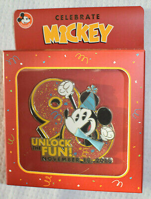 2018 Disney Parks Mickey Mouse 90th Birthday Annual Passholder Jumbo LE Pin NEW