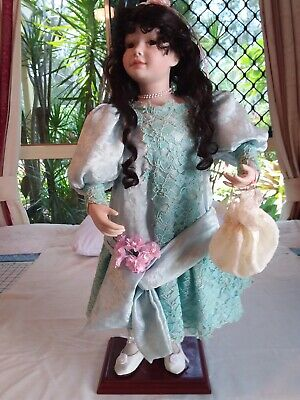 Collectable Hand Crafted Porcelain Doll Celia From Maryl Heirloom Dolls Qd