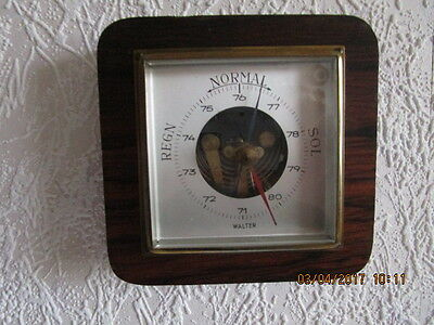 "Altes Barometer, Thermometer in Echtholz. Fabr. ""Walter"". Eiche Mittel poliert."