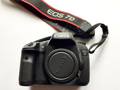 Canon EOS 7D 18.0MP Digital SLR Camera Body. VERY LOW shutter count.