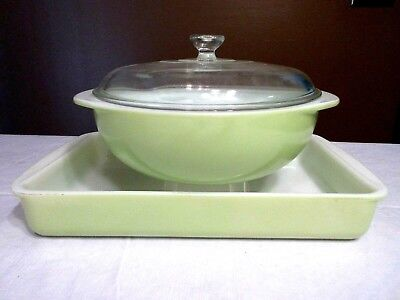 Vintage 1950's Pyrex Lime Green Set of 2 -Casserole/Baking Dish - Nice!