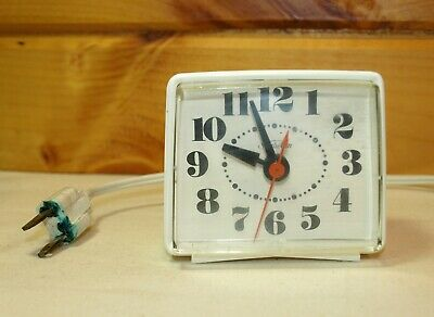 Sunbeam Electric Clock- Vintage- 428A Series- Works / For Parts
