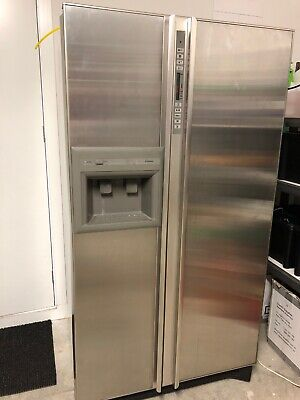 AMANA 724L Stainless Steel Fridge Freezer - Water And Ice Dispenser  Made in USA