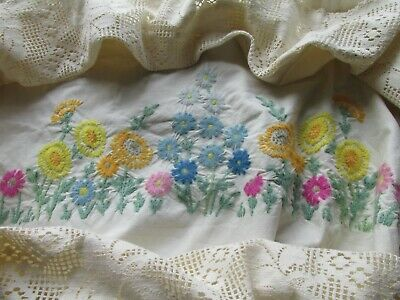 Vintage Hand Embroidered Bed Cover-BEAUTIFUL FLORAL'S WITH LACE EDGING