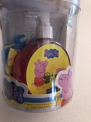 Peppa Pig Bubble Bath & Puzzle Set. New In Packaging. Collect Or Post