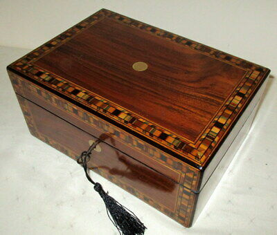 LOVELY VICTORIAN WALNUT BANDED BOX with key