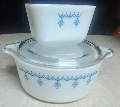 Pyrex white/blue snowflake 472 casserole w/lid and 501B small refrigerator dish