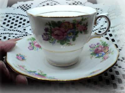 Vintage Colclough England Bone China Cup and Saucer Roses 1945-1948 NICE!!