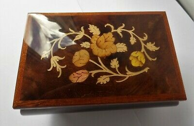 Italian Sorrento Made Inlaid Marquetry Wood Torna A Surriento Music Box