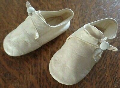 Vtg Creamy White Leather Baby / Doll Shoes Button Closing R.n. Italy Sz 2