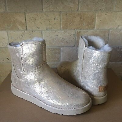 4fe69913ac2 UGG ABREE MINI Stardust Gold Metallic Suede Fur Zip Boots Size Us 9 ...