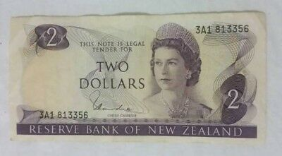1977 NEW ZEALAND $2 DOLLAR BANKNOTE/ P164d / VERY GOOD CONDITION
