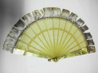 hübscher antiker Zelluloid-Fächer / lovely seldom antique punched celluloid fan