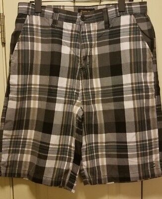 Split Pocketed White Black Plaid Shorts Mens Size 32x10 Checkered Comfy Mint