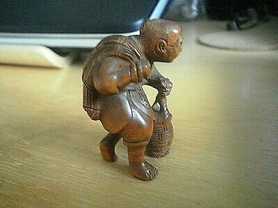 Hand Carved wood netsuke Fisherman with net & basket Collectable wood figure  .3