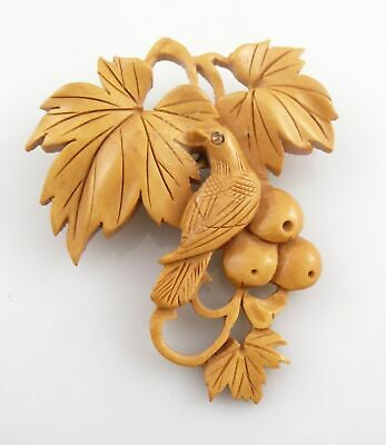 Exquisite Vintage 1930s Japanese Hand Carved Wood BIRD BERRIES LEAVES Brooch PIN