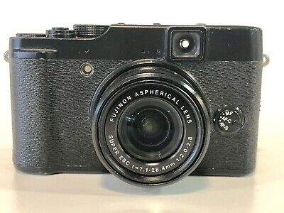 Superb Fujifilm Fuji X10 Digital Camera + SD Card