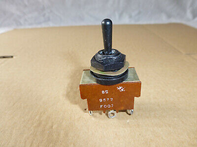 NSF Toggle Switch DPDT ON-OFF-ON  - 250V 10A - BS9572 F002