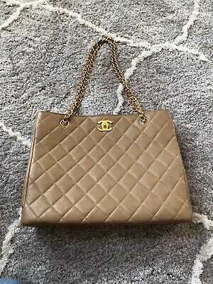 f2cb7775358d AUTHENTIC VINTAGE CHANEL Quilted CC Logo Caviar Leather Shoulder Bag ...