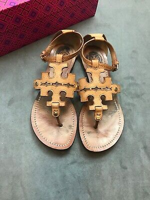 27d26a5aa90 TORY BURCH Phoebe Chandler Flat Thong Sandals Royal Tan Sz 6.5 Miller  H5