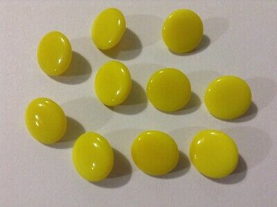 10 yellow glass Vintage Buttons. 1.4 cm