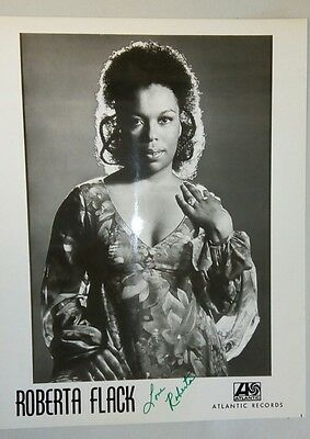 ROBERTA FLACK AUTOGRAPH-Signed & Inscribed Atlantic Records B/W Publicity Photo