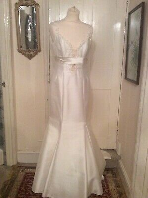 BNWOT Ivory Gown by Sassi Holford Size 13