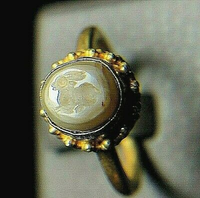 Antique White Agate Bunny Rabbit Intaglio Signet Genuine Solid 18K Gold Ring