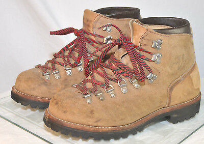32f34185bed VINTAGE VASQUE MOUNTAINEERING Hiking Boots Leather Vibram Size 8 US Mens