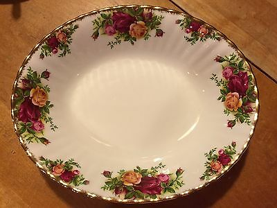 """Royal Albert Old Country Roses Oval 9 1/8"""" Serving Bowl ——ENGLAND"""