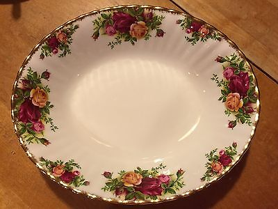"Royal Albert Old Country Roses Oval 9 1/8"" Serving Bowl-  Made in ENGLAND"