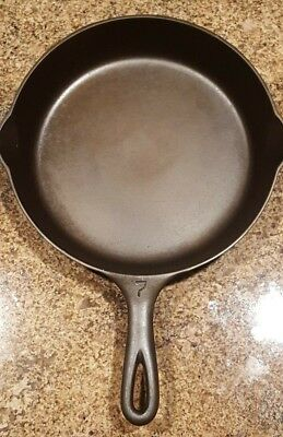 Vintage GRISWOLD #7 Large Logo Cast Iron Skillet with Heat Ring: Circa 1924-1940