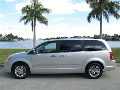 2010 Chrysler Town & Country LIMITED FULLY LOADED LOW MILES FL RUST FREE CLEAN! 2010 CHRYSLER TOWN & COUNTRY LIMITED 4.0 LOW 77K MILES CLEAN CARFAX NO RESERVE!