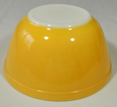 Pyrex 402 Primary Color Yellow 1 1/2 Quart Mixing Nesting Bowl EUC