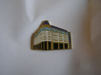 pins magasin monoprix poitiers