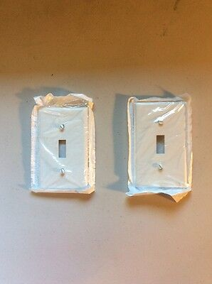 Lot Of Two White Plastic Standard Leviton Wall Plates Light Switch 2 Cover