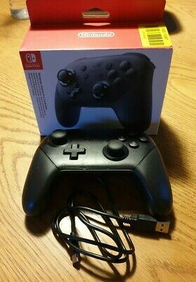 Nintendo Switch Pro Controller - Black  official control pad.