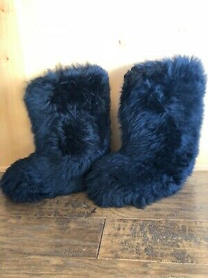 fa1805c0d31 UGG FLUFF MOMMA Boots 8 Black Color Ski Apres Furry New Gorgeous Rare