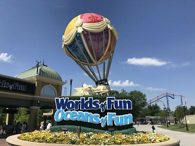 (4) Four Tickets to Worlds of Fun / Oceans of Fun / Fast Shipping / Low Price