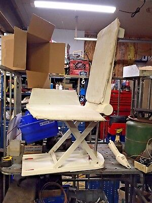 AquaTec XL Orca Bath Tub Lift With Remote Contoller Handicap Assist Riser
