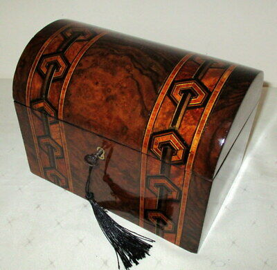STUNNING VICTORIAN FIGURED WALNUT & BANDED TEA CADDY with key