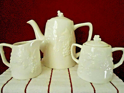 Grace's Teaware WHITE GRAPES 5 Piece Teapot w/Lid Creamer & Sugar Bowl New