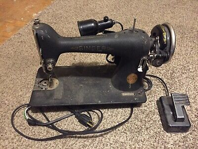 Model 66 Sewing Machine 1940's AF774585 Working Condition