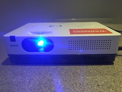 SANYO PLC-XE34 Projector ***Lamp counter 2763*** Educational Use