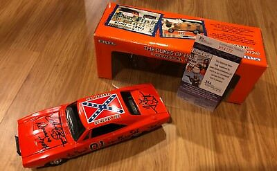 Catherine Bach Tom Wopat John Schneider Dukes of Hazzard Signed Car GENERAL LEE