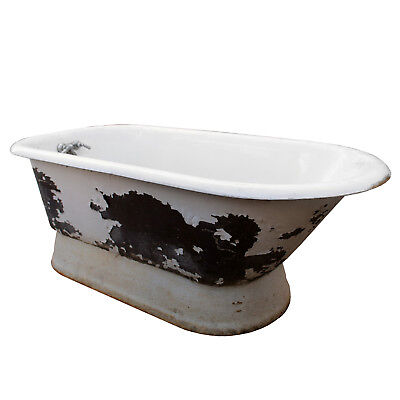 Unusual Antique Pedestal Bath Tub, 5',  NCFT6