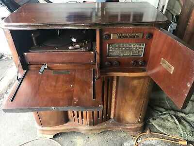 1942 RCA Victrola Anniversary Model Record Player