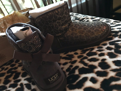 31eda38e1cd UGG AUSTRALIA WOMANS Bronze Bailey Bow Glitter Leopard Sheepskin Boots 5 NEW