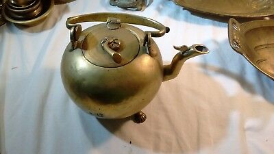 Large vintage brass kettle / tea pot with handle, hinged lid, and 3 animal feet